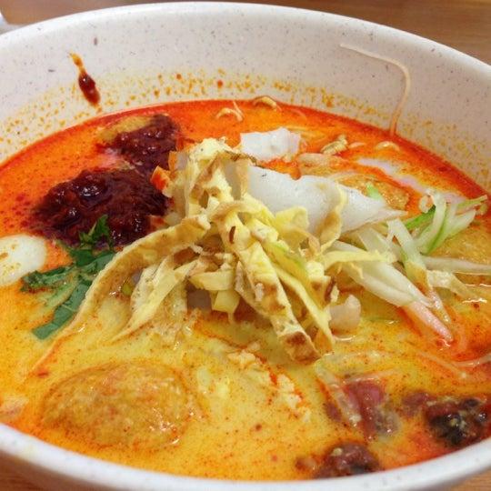 Photo taken at Donald & Lily Nyonya Food by Samuel K. on 12/16/2012
