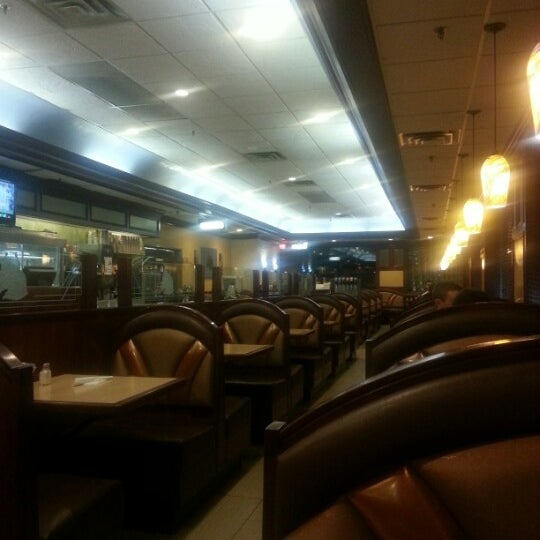 Photo taken at Bull's Head Diner by Sarfarz S. on 1/18/2013