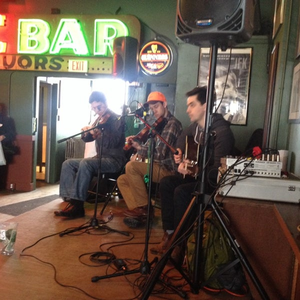 Photo taken at Dubliner Pub by Harmony B. on 3/18/2014