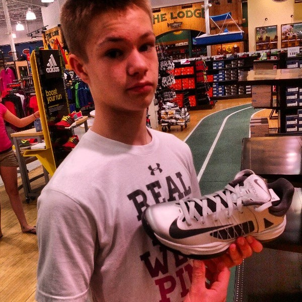 Photo taken at DICK'S Sporting Goods by Michael W. on 4/22/2013