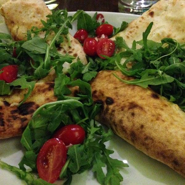 Excellente nourriture italienne. Un peu bruyant, mais ça fait partie du jeu.