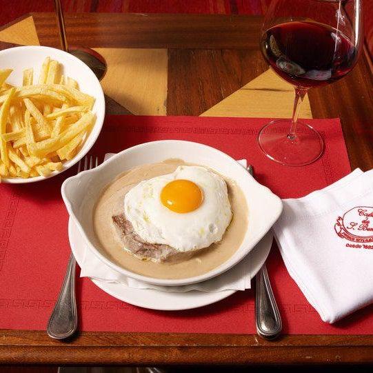 3/10/2014 tarihinde Café de São Bentoziyaretçi tarafından Café de São Bento'de çekilen fotoğraf