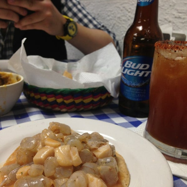 Photo taken at Mariscos Willys by Angélica B. on 1/4/2014