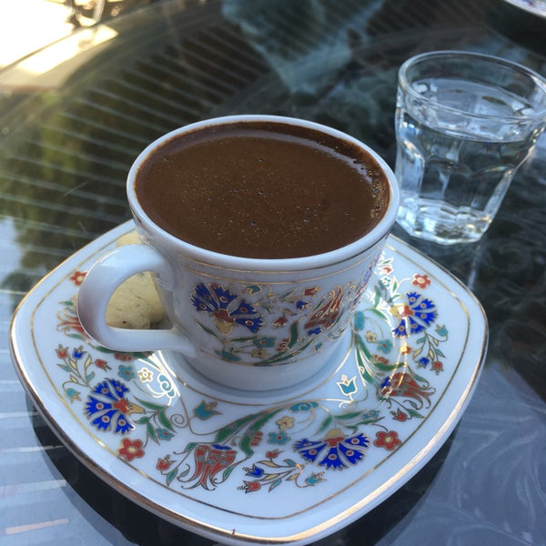 Photo prise au Üzüm Cafe par Eda D. le9/5/2017