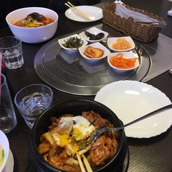 Foto tomada en Korean BBQ гриль por Nile N. el 2/3/2018