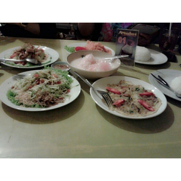 Photo taken at Phuket Thai Resto by Annisa H. on 10/30/2013