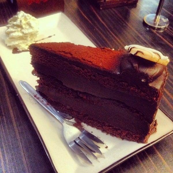 Foto diambil di Chocolateria San Churro oleh Sweetandyummie pada 2/18/2014