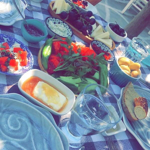 8/6/2017 tarihinde Össe .ziyaretçi tarafından Noni's House'de çekilen fotoğraf