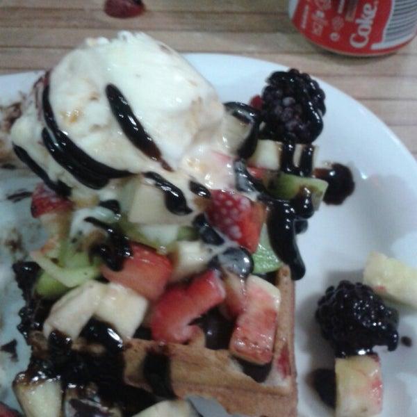 10/21/2013 tarihinde Gizem O.ziyaretçi tarafından Waffle Edem 46'de çekilen fotoğraf