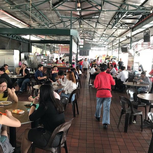 Photo taken at Sri Weld Food Court by Jack K. on 9/20/2017