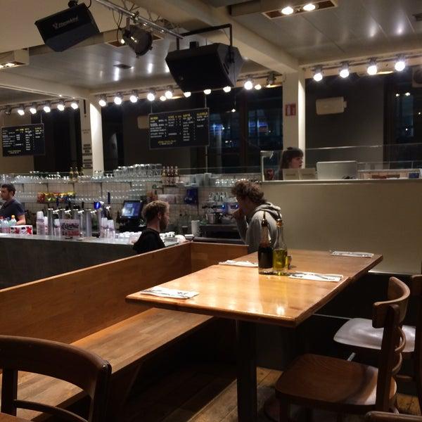 Photo prise au Café Bota par Laurence J. le1/18/2018