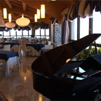 9/24/2013 tarihinde Laguna Sky Restaurantziyaretçi tarafından Laguna Sky Restaurant'de çekilen fotoğraf