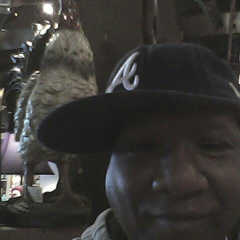 Photo taken at Cracker Barrel Old Country Store by Jerome W. on 2/10/2014