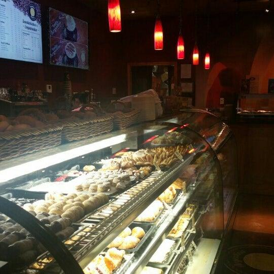 1/8/2016 tarihinde Randall A.ziyaretçi tarafından Argentina Bakery'de çekilen fotoğraf