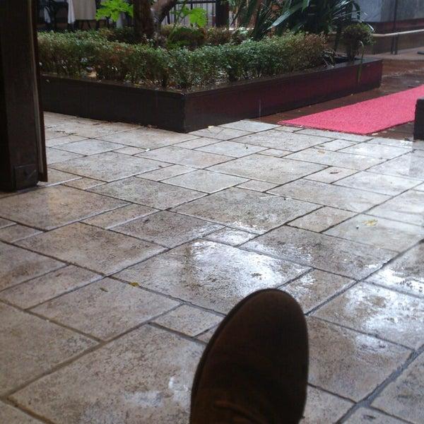 10/31/2014 tarihinde Yunus G.ziyaretçi tarafından Şans Restaurant'de çekilen fotoğraf