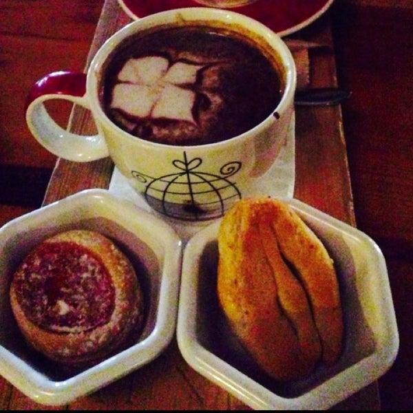 12/4/2013 tarihinde .... ..ziyaretçi tarafından Eat'n Joy'de çekilen fotoğraf