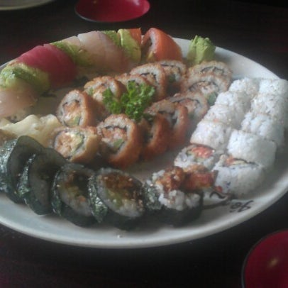 Photo taken at Young Sushi by Zignat A. on 11/17/2012