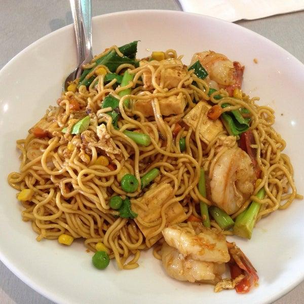 Photo taken at Taste of Thai by Sak on 1/28/2014