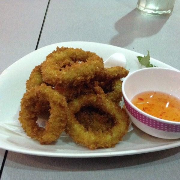 Photo taken at Taste of Thai by Sak on 4/14/2014