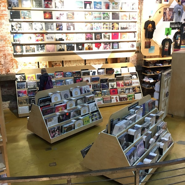 Photo taken at Urban Outfitters by Paul on 11/8/2016