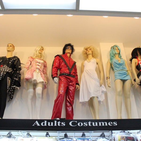 Photo taken at Hollywood Toys & Costumes by Hollywood Toys & Costumes on 10/2/2013