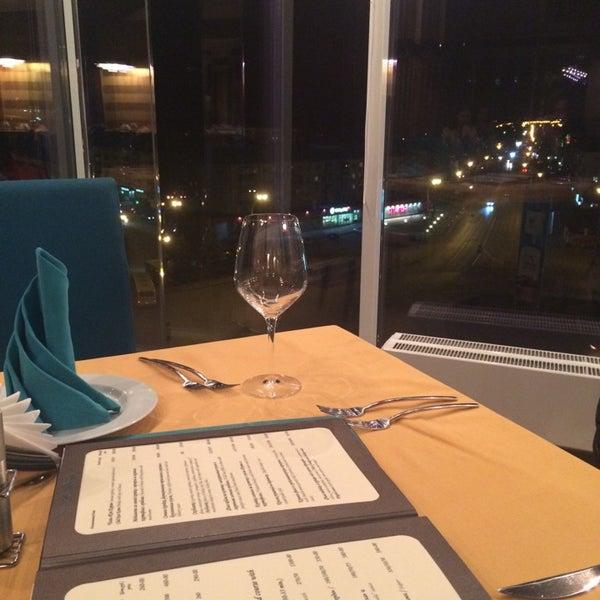 Снимок сделан в Ресторан Лагуна пользователем Елена К. 11/18/2014