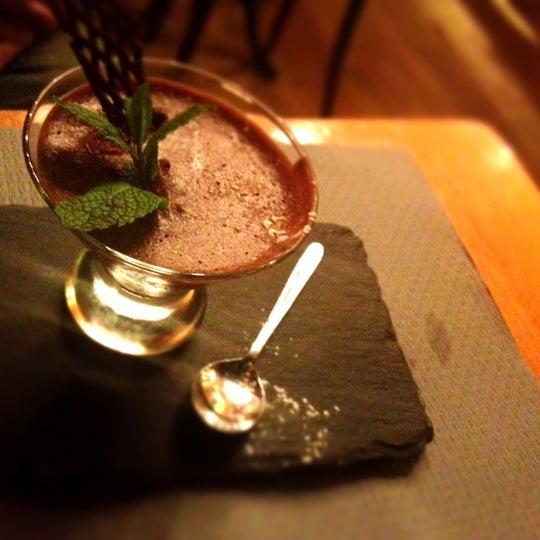 Photo prise au Demi Lune Café par Paul P. le10/1/2012