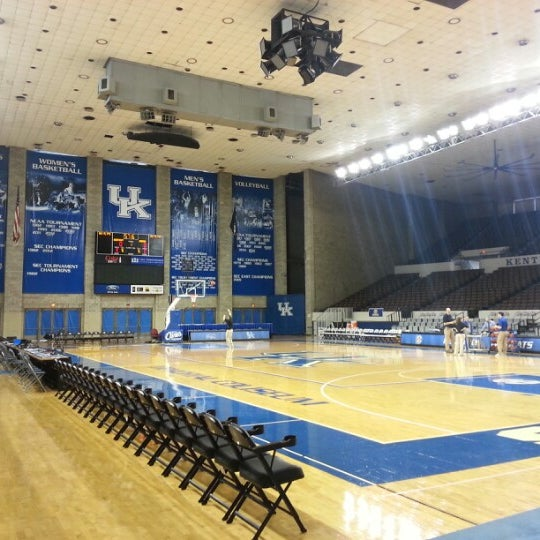 Photo taken at Memorial Coliseum by Kevin H. on 1/20/2013