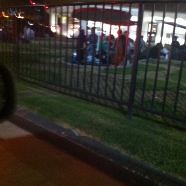 Photo taken at In-N-Out Burger by Squeaky T. on 1/12/2014