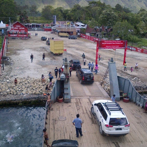 Photo taken at KMP Ferry Tao Toba Ajibata by Lamhot F. on 10/15/2013