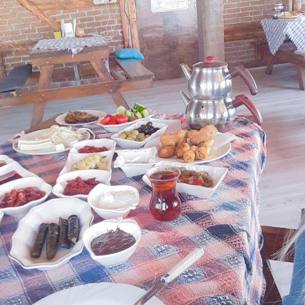 4/29/2018 tarihinde Gönül V.ziyaretçi tarafından Hacı Arif Osmanlı Sofrası'de çekilen fotoğraf