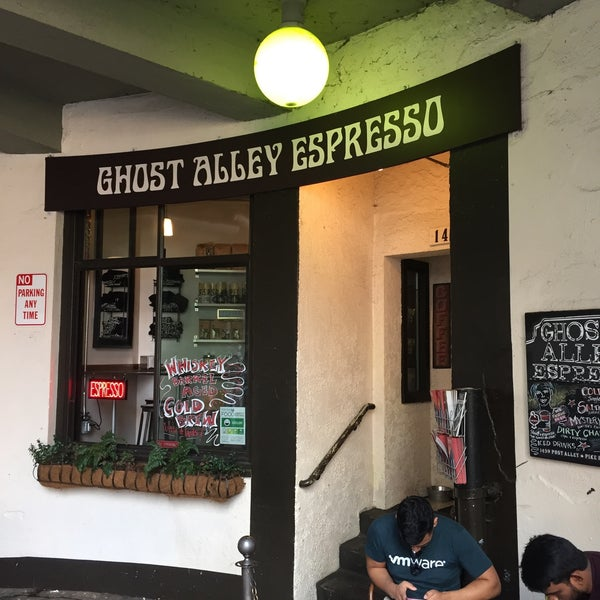 Photo taken at Ghost Alley Espresso by Voltaire V. on 9/3/2017