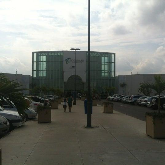 Foto tirada no(a) Boulevard Shopping Campos por Allan Diego B. em 10/12/2012
