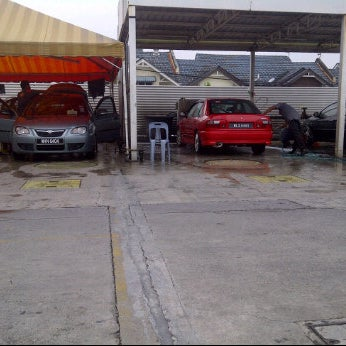 Photo taken at Shell Manual Car Wash BK2 by Lyza S. on 3/25/2012