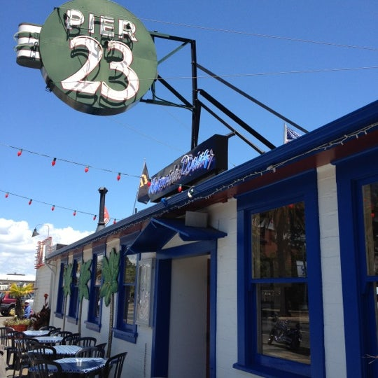 Photo taken at Pier 23 Cafe by todd e. on 6/5/2012