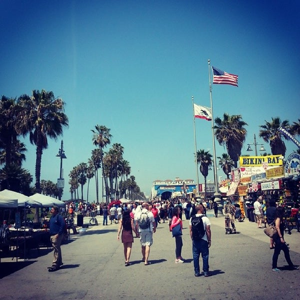 what time does venice beach open