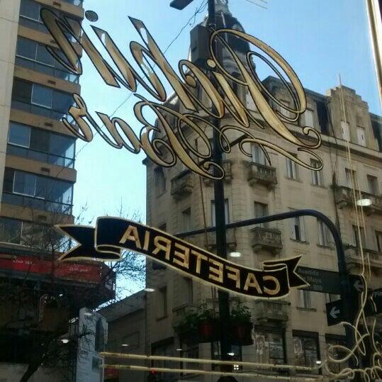 Foto tomada en Café Bar Pichín por Mayla P. el 8/15/2015