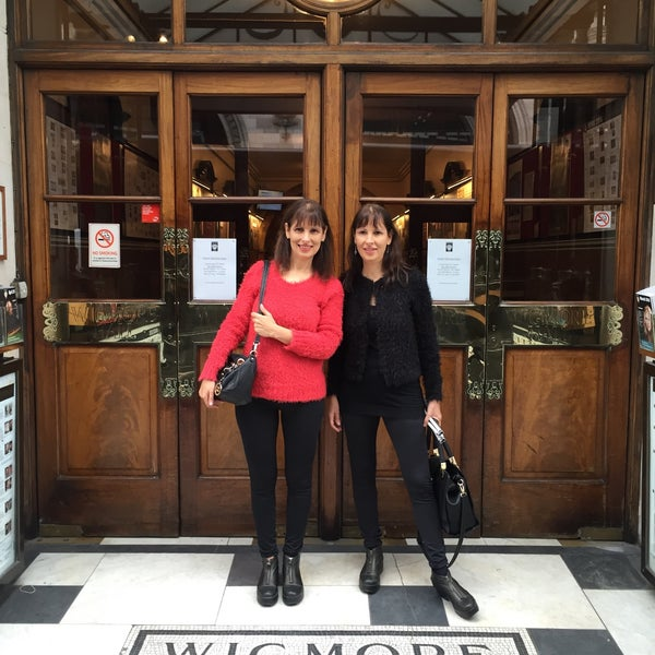 Photo taken at Wigmore Hall by Fabiana C. on 3/23/2016