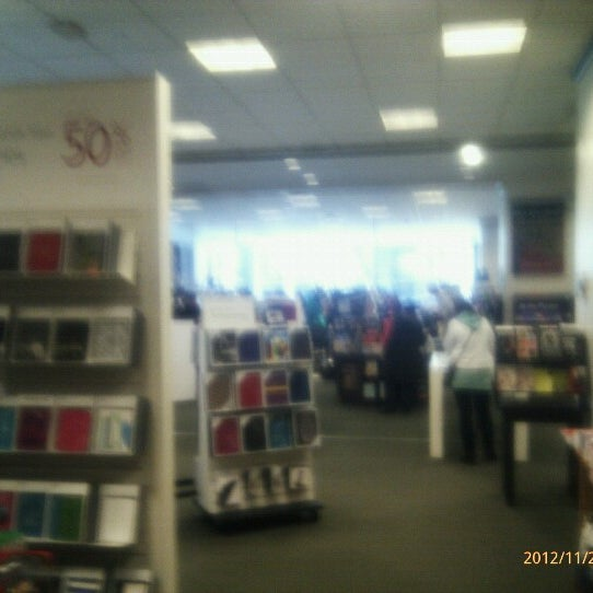 Photo taken at Barnes & Noble by Jeff P. on 11/21/2012