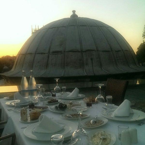 7/22/2014 tarihinde Sebziyaretçi tarafından Matbah Restaurant'de çekilen fotoğraf