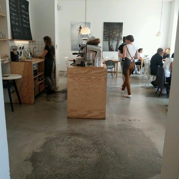 Foto diambil di Mikyna Coffee & Food Point oleh Adam D. pada 8/22/2016