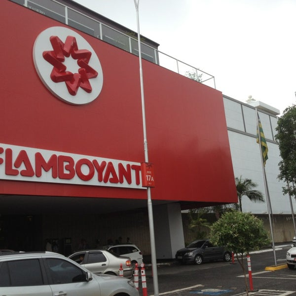 Foto tirada no(a) Flamboyant Shopping Center por Ramon P. em 2/9/2013