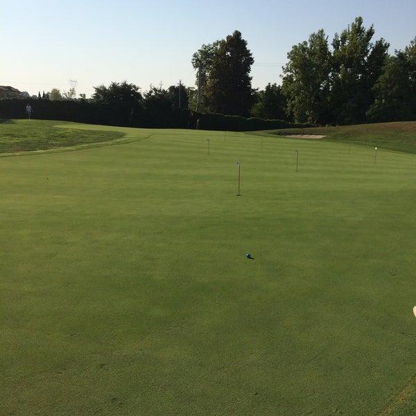 Foto scattata a Golf Club Paradiso da Stefano C. il 8/13/2015
