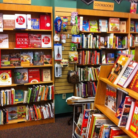 Photo taken at Changing Hands Bookstore by Bruce S. on 12/26/2012
