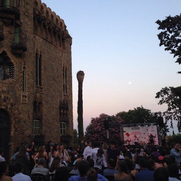 Foto tomada en Torre Bellesguard por Elisabeth B. el 6/30/2015
