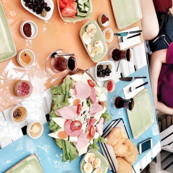6/8/2017에 Betül K.님이 Büyükada Bistro Candy Garden에서 찍은 사진