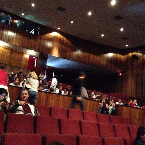 Foto tomada en Teatro Hidalgo por Mau C. el 10/22/2013