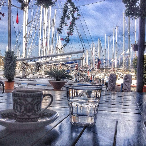 12/25/2015 tarihinde ÜMran Ö.ziyaretçi tarafından Mod Yacht Lounge'de çekilen fotoğraf