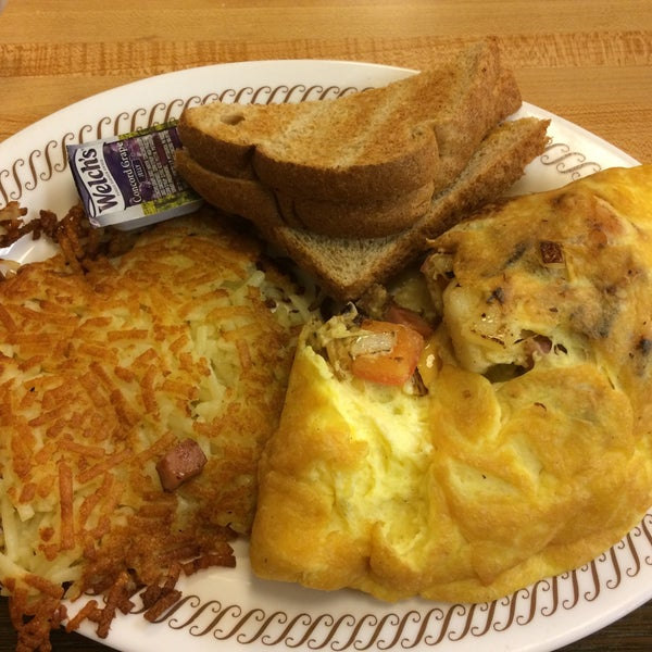 Photo taken at Waffle House by N L. on 1/24/2015