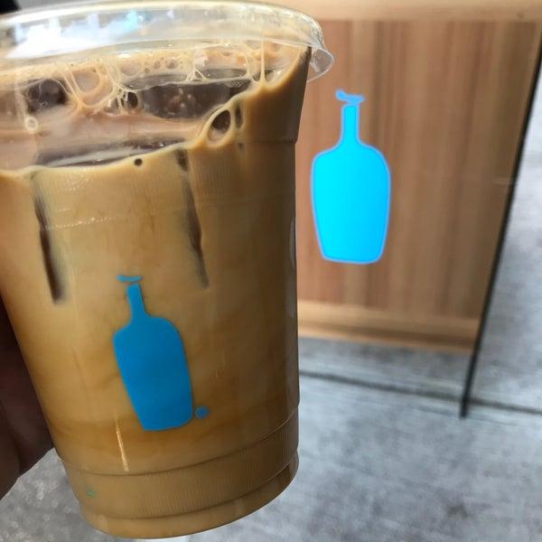 10/21/2017 tarihinde Noah W.ziyaretçi tarafından Blue Bottle Coffee'de çekilen fotoğraf